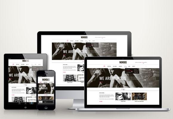 レスポンシブウェブデザインで制作されたホームページを、スマートフォン・タブレット・パソコンで表示した写真